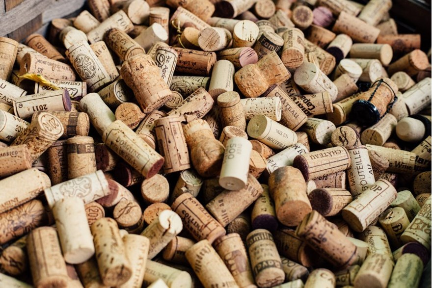 A Closure Debate: Why UK Buyers Put Wine Before Closure